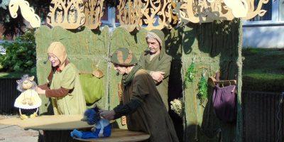"""Svečiuose teatras """"Avilys"""" """"Kaukučių nuotykiai senojoje girioje"""""""